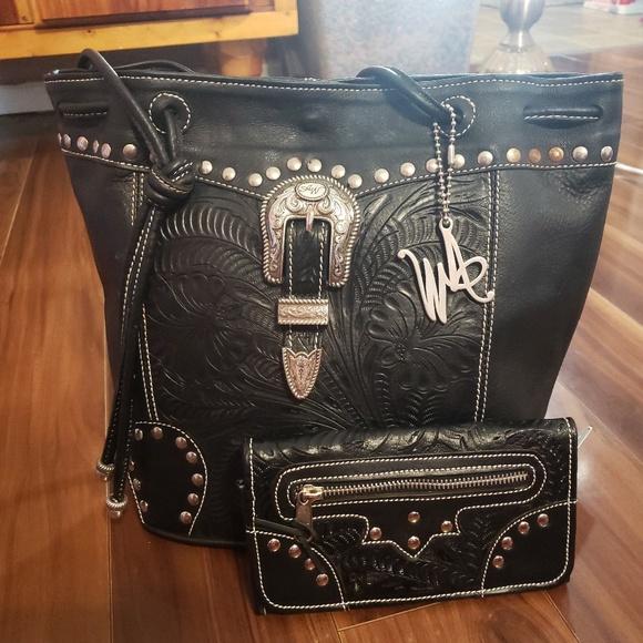 American West Handbags - 100% genuine leather American West purse & wallet
